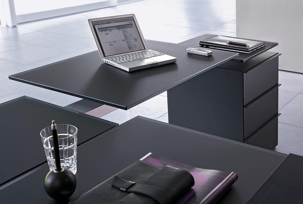 Icon Executive Table