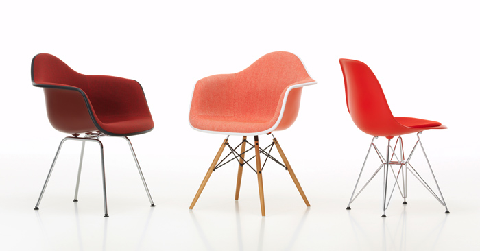 Eames-Plastic-Chair-Group_895553_master.jpg